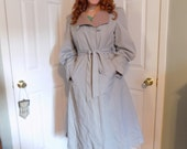 Vintage Timeless Classic Dove Grey Trench Swing Coat with Removable Lining 1960s 1970s