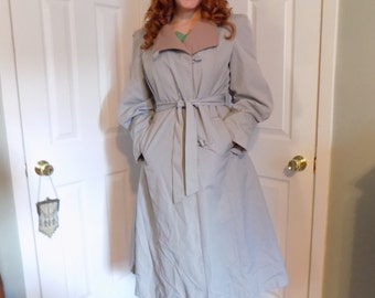 Vintage Classic Dove Grey Trench Coat with Removable Lining 1960s 1970s
