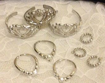 """20pcs. Silver Barbie Necklaces, Bracelets, and Crowns~for 11.5"""" Fashion Doll Jewelry"""