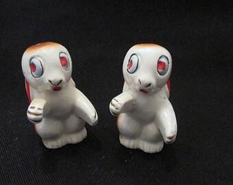 Vintage rabbit salt and pepper shakers c1930s wide eye hugger kisser figurine