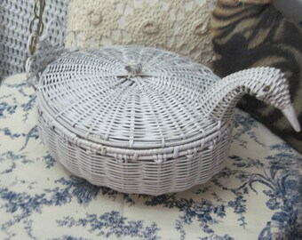 Duck,Geese Wicker Basket,Wicker,Basket,Vintage Baskets,  Country Farm Decor, Vintage Home Decor  :)S
