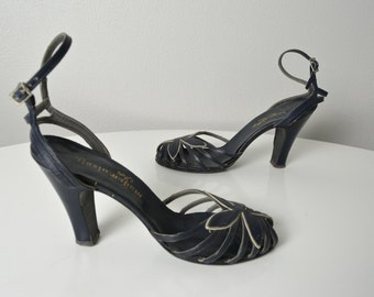 Vintage 1940s 40s Ankle Strap High Heel Shoes with Caged Peep Toe in Navy and White