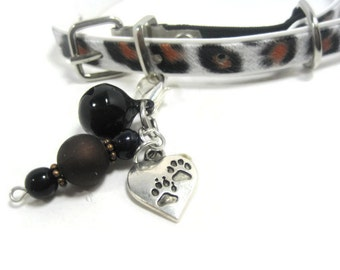 Pet Collar Charm, Zipper Pull, Beaded Pet Charm, Paw Print Pet Accessories, Zipper Pull Charm