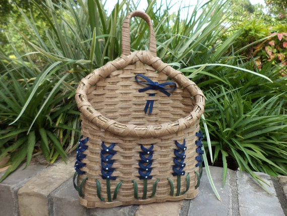 texas bluebonnet wall mail basket bluebonnet basket texas. Black Bedroom Furniture Sets. Home Design Ideas