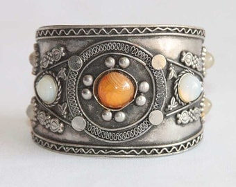 Vintage Wide Cuff Bracelet - Thin Metal Bohemian Style