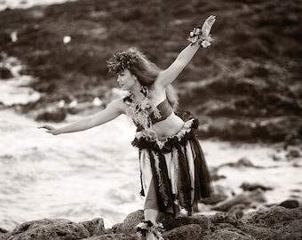 hula kahiko woman art beach dance hawaii hawaiian photo ocean vintage