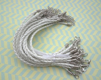 50pcs 3mm 7 -9 inch adjustable white faux braided leather bracelet with white k  fitting