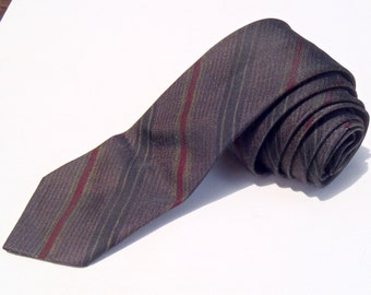 Vintage 1960s Skinny Red Gold and Black Rep Striped Shot Fabric Tie