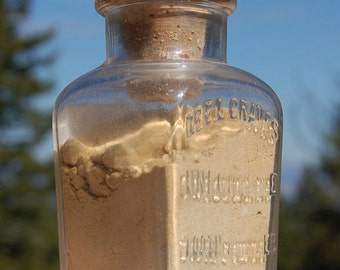 Nice antique Dr GRAVES Dentist Unequaled TOOTH POWDER bottle from 1800s - Chicago Illinois