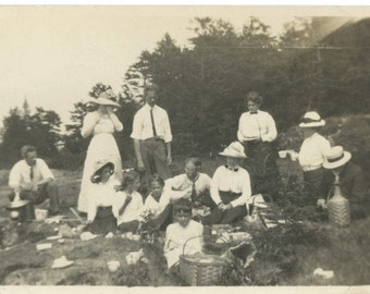 Hot August Picnic, c1910s: Vintage Photo Snapshot [56368]