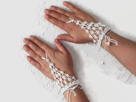 White crochet beaded slave bracelet, Bridal ring bracelet, Beaded Harem bracelet, crochet wristlet,fingerless glover, Bohemian jewelry