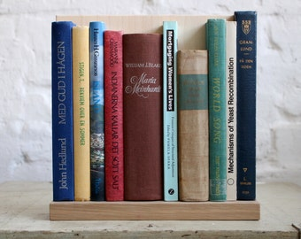 """Wall Decoration from Upcycled Book Spines """"Island George"""""""