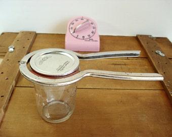 Vintage Jar Opener Gunnard Co Rubber and Metal Kitchen Jar Opener
