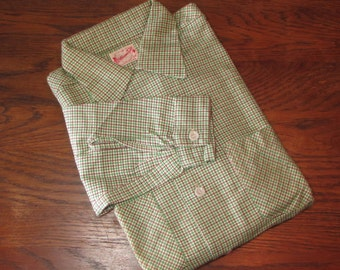 Mens 1950s Shirt -- Deadstock Sanforized Long Sleeve Soft Plaid Flannel Loop Collar by William Tell -- NOS NWT Size S/M