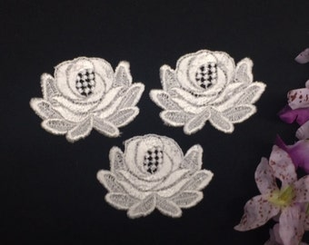 "Item: A0589, Lot of 5 pieces, 3"" X 2.5"" Lotus Flower Venise Lace Applique, Thick Quality Detailed Item,  White"