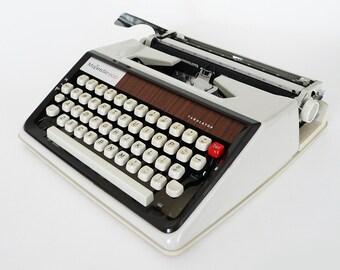 Majestic 600 Tabulator / Manual Portable Typewriter / New Ribbon