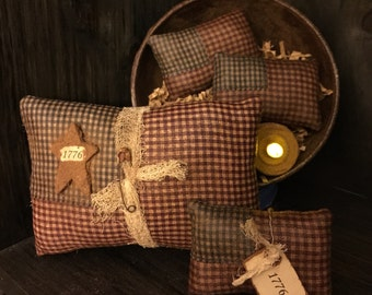 "Primitive American Flag Bowl Fillers / Ornies Set of 4 ""1776"""