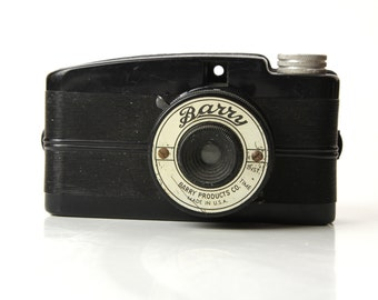 ART DECO Style BARRY Camera - 1940's Made in U.S.A.