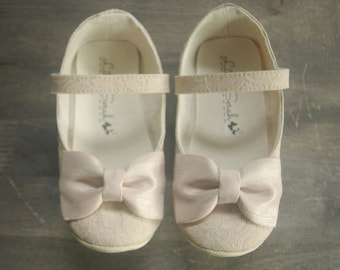 Baby Shoes, Champagne, Wedding Shoes, Toddler Shoes, Flower Girl Shoes, Infant Shoes, Christening, Baptism, Little Girl, Kids Shoes, Girls