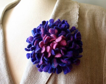 Felted flower brooch lilac pink Hand felted Dahlia flower brooch Felt brooch Merino wool brooch Felt jewelry Ready to ship