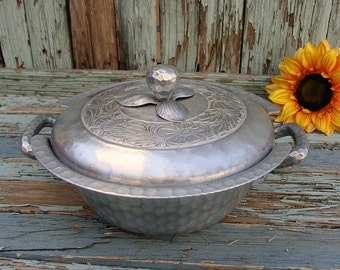 Hand Forged Everlast Hammered Metal Aluminum Casserole Cozy