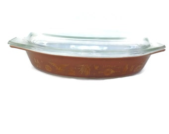 Vintage Kitchen Pyrex Casserole, Early American Pattern, Divided with Clear Glass Lid, Brown and Gold, Vintage Kitchen, Ovenware