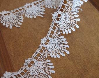 guipure lace trim, lace border