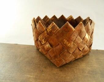 Vintage Swedish birch bark basket Rustic braided basket Farmhouse kitchen storage basket Rustic container