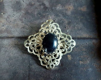 BEAUTIFUL Gold Tone and Onyx Vintage Brooch Pin-Costume Jewelry