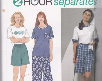 Simplicity 7106 Vintage Pattern Womens Top, Capris or Pants, and Shorts Size X Sm, Sm, Med UNCUT