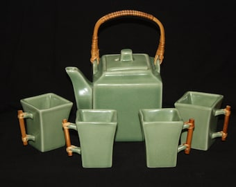 Vintage Joyce Chen Green Teapot with 4 cups and Bamboo handles