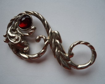 Vintage Unsigned Silvertone Stylised Ruby Red Stone Brooch/Pin