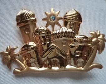 Vintage Unsigned Goldtone/Matt Little Town of Bethlehem Brooch/Pin