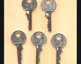 5 Small, Silver, Metal Keys for Arts and Crafts Projects