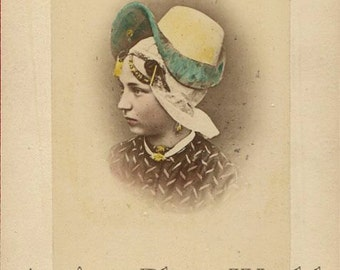 Pays-Bas Netherlands girl in ethnic hat antique photo