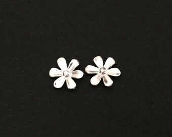 Sterling Silver Flower Studs. Small Silver Flower Earrings. Sterling Silver Studs. Everyday Studs.Sterling Silver. Flower Girl Earrings
