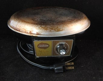 Vintage Sunbeam M'sieur Crepe Maker (in working condition)