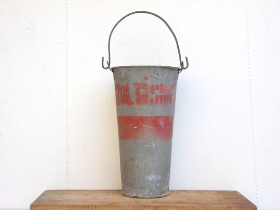 Antique galvanized zinc bucket hungarian fireman bucket for Decoration zinc