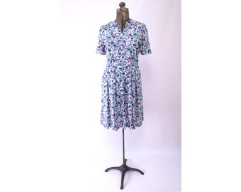 Shelton Stroller Shirtwaist Dress by Shelton Stroller Blue Violet Lavender Floral Slinky Pockets Vintage size 14 M to L