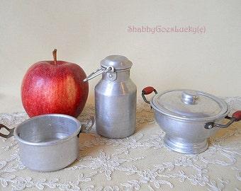 Old dollhouse kitchen miniature Aluminum tureen with lid, jug & cooking pot, German vintage 1940s dolls cottage kitchen cookware