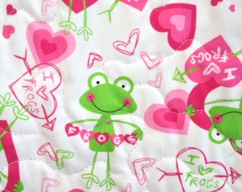 Beautiful quilt in a  frog themed quilt Machine quilted by me. An heirloom quality quilt for the baby/ toddler