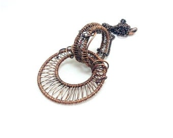 Wirewrapped copper pendant. Ethnic pendant. Wirewrapped jewels.