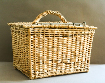 vintage french picnic wicker basket