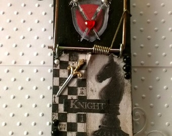 Altered Mouse Trap Note Holder (Knight)