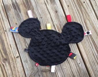 Mickey Mouse Ribbon Tag Blanket