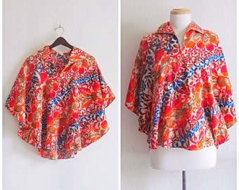 Aloha // Vintage 70s Blouse Top // 1970s Maluna Hawaii Multicolored Batwing Sleeved Blouse Top