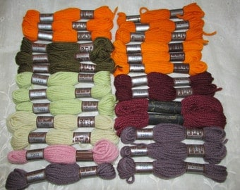 Vintage Lot 26 Skeins DMC Laine Tapisserie Yarn TAPESTRY Virgin WOOL Mixed Color Assortment