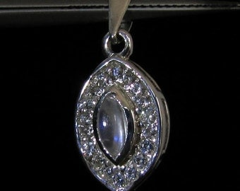 sterling silver gemstone pendant with a blue fire marquise shaped moonstone marked 925 (GP231)