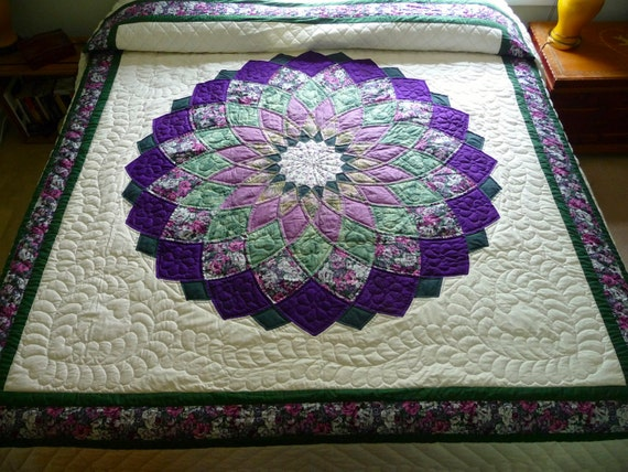 Giant Dahlia Quilt Images : Giant Dahlia Amish Quilt by QuiltsByAmishSpirit on Etsy