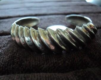 "Scalloped Cuff 39.4g Vintage Sterling Silver Bracelet (6"")"